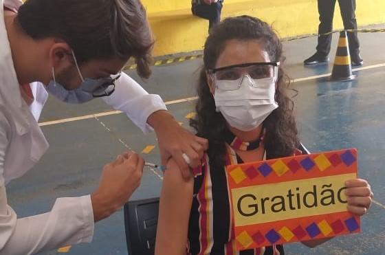 Profissionais da Educação começam a ser vacinados